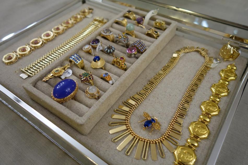 Gold West Vintage