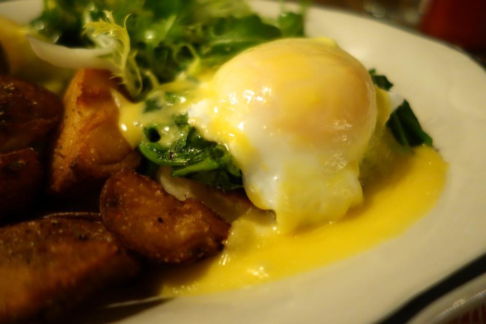 Photo of eggs benedict