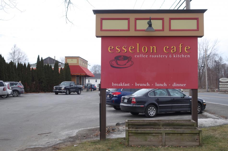 Esselon Cafe Sign