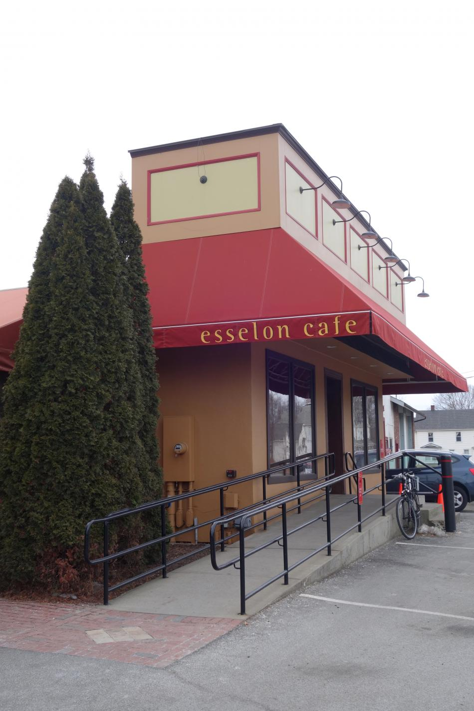 Esselon Cafe Storefront